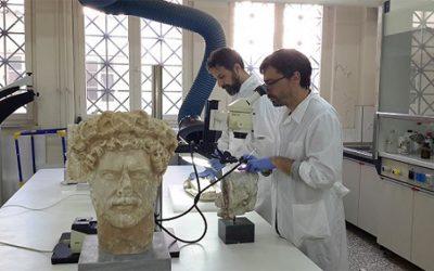 Πολύχρωμα και επιχρυσωμένα: ο κόσμος των αγαλμάτων αλλιώς