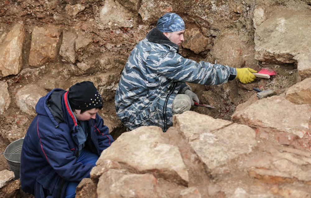 Μοναδικός αρχαίος ελληνικός βωμός βρέθηκε στη Φαναγόρεια (Χερσόνησος Ταμάν)