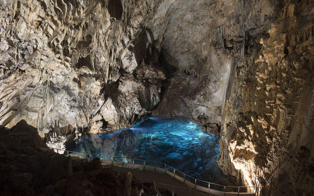 Σπήλαια της Πελοποννήσου και χρήσεις τους κατά την αρχαιότητα