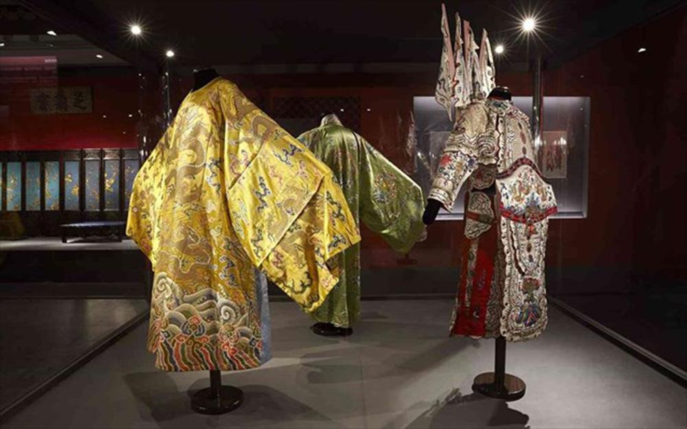 Από την απαγορευμένη πόλη: αυτοκρατορικά διαμερίσματα του Qianlong – Νέα εκθέματα στο Μουσείο Ακρόπολης