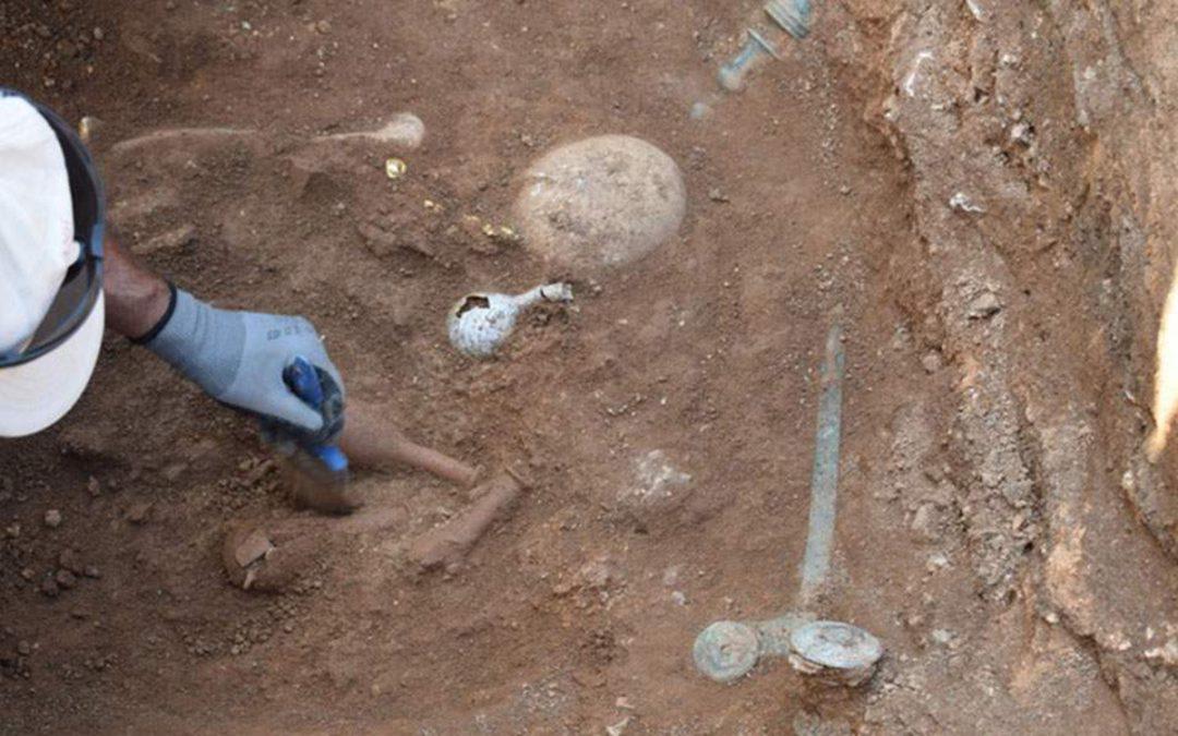 Ασύλητο τάφο του 1ου αι. π.Χ. έφερε στο φως η αρχαιολογική σκαπάνη στην Κοζάνη