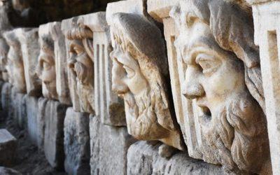 Προσωπεία ηλικίας 2.200 ετών βρέθηκαν στην αρχαία ελληνική πόλη Στρατονίκεια της Μικράς Ασίας