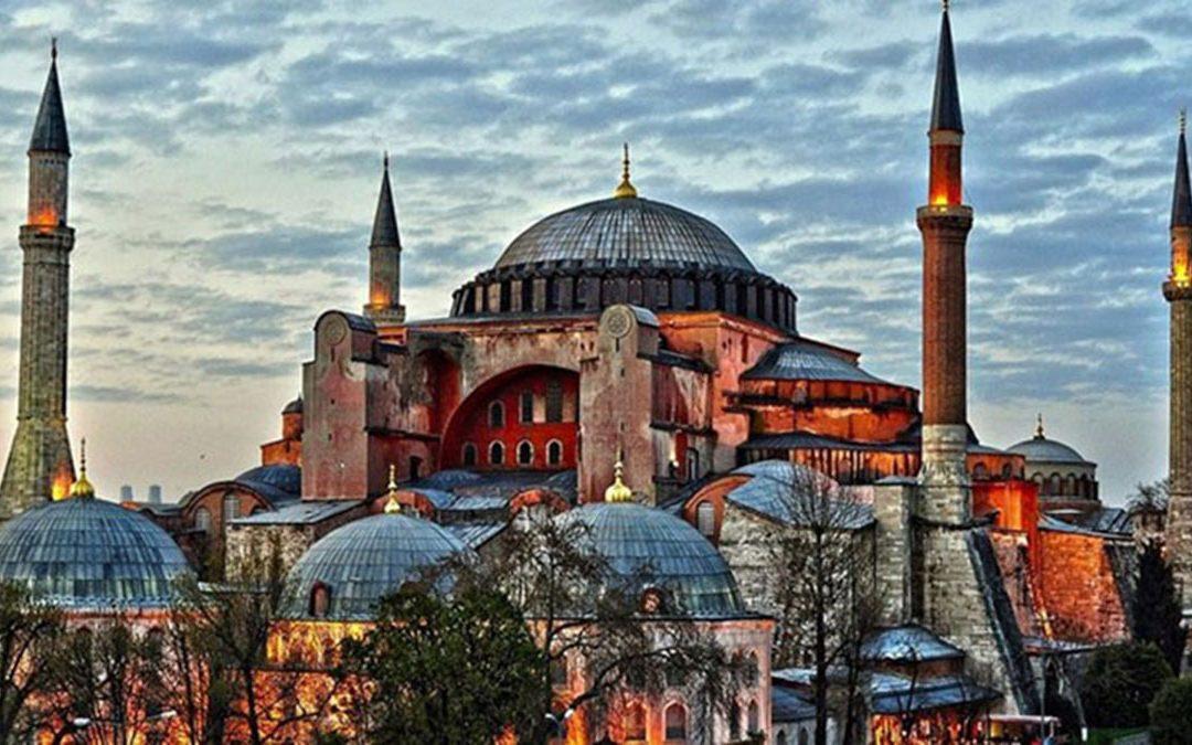 Taner Akçam: «Τους ιερούς χώρους δεν τους αγγίζεις όχι μόνο με το χέρι αλλά ούτε με τη σκέψη»