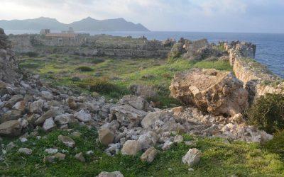 Κατάρρευση τμήματος ημικυκλικού πύργου στο κάστρο της Μεθώνης