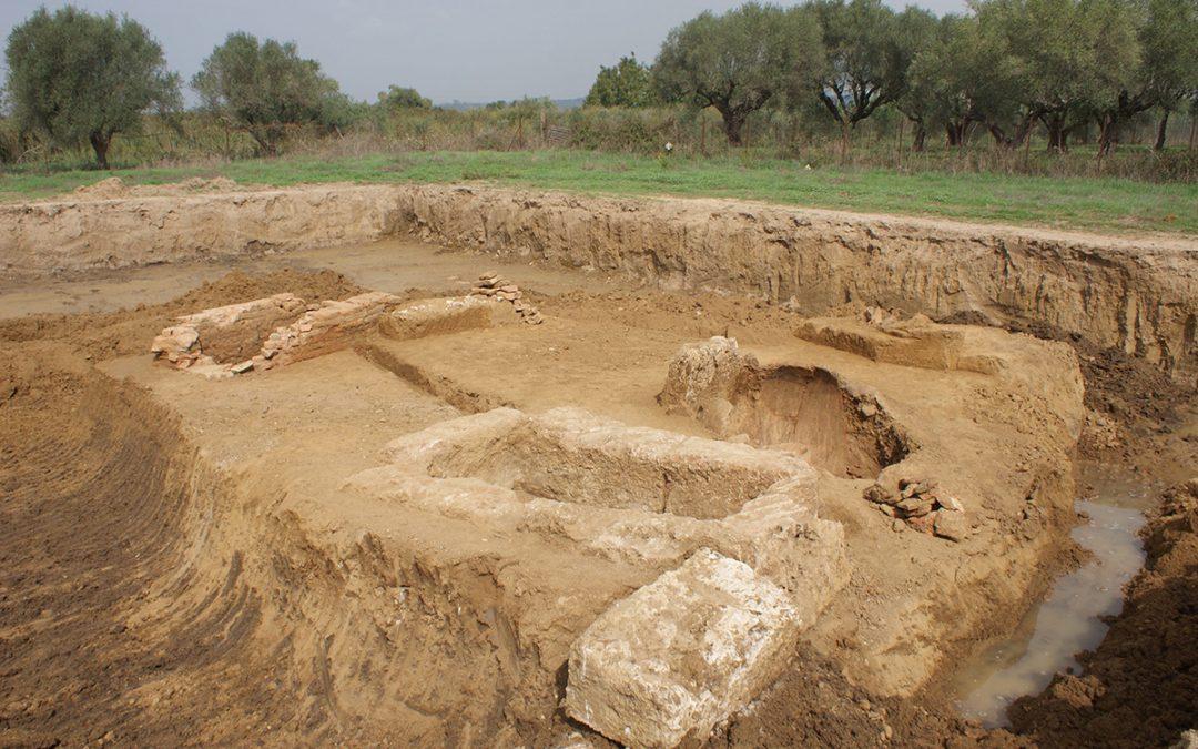Αποκάλυψη οκτώ τάφων σε σωστική ανασκαφική έρευνα στην Ηλεία